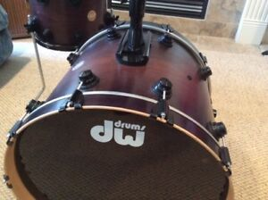 DW collector's series 4 piece professional drum kit