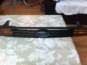 2000-2004 Ford Focus Grill & Parking turn Signal Windsor Region Ontario image 1