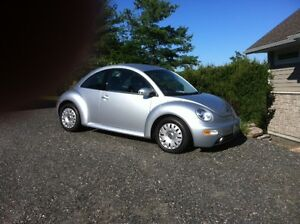 2005 Volkswagen Beetle Coupe (2 door) 14K Mileage