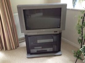 REDUCED! WAS £30 NOW £20 - Sony Retro TV with stand