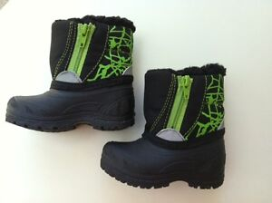 sz 4 baby winter boots - gently used