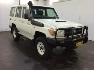 2011 Toyota Landcruiser VDJ76R 09 Upgrade Workmate (4x4) White 5 Speed Manual Wagon Cardiff Lake Macquarie Area Preview