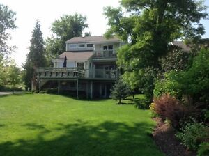 Water front house/cottage for rent St-Lawrence river  weekly.