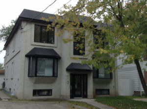 Large 4 1/2 in Great Location in Dorval **September Free**