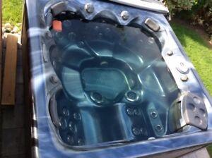 Hot Tub - 2013 Twlight  Series, TS 7.2 Model, by Master Spas