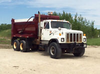 2001 International 2574 Tandem Sander/dump Truck