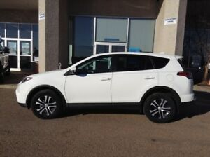 2016 Toyota RAV4 LE,BLOWOUT PRICING! DRIVE IT HOME TODAY!