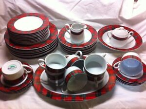 Plaid motif dinnerware for 8 settings with servers
