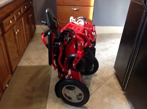 Red electric wheelchair that folds for transportation Kitchener / Waterloo Kitchener Area image 3