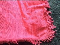 Vintage deep pink candlewick fringed bedspread. Good clean condition 120cm x 240cm
