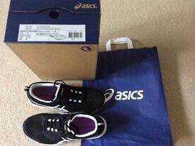 Brand new womans Asics Trainers uk size 9
