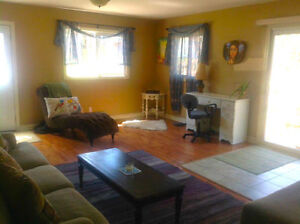 Quaint renovated cottage in Ompah, close to Palmerston lake Kingston Kingston Area image 3