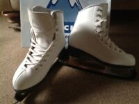 Glacier by Jackson beginners recreational figure Ice skates, Uk 13.5, Good condition.
