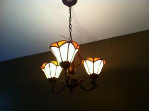 Luminaires suspendus style Tiffany 100$