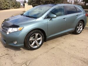 2010 Toyota Venza, LIMITED, AWD, LEATHER, ROOF, 121K, $13,500