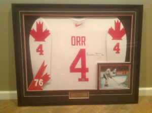 Bobby Orr signed and Framed '76 Canada Cup Jersey
