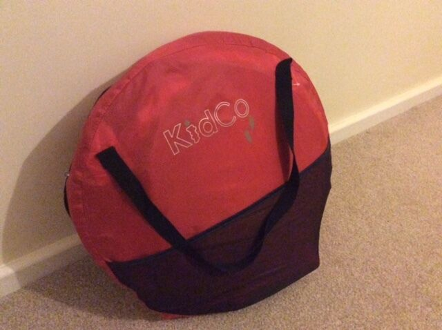 Kid co Peapod baby travel cot/baby tent/beach shade & Kid co Peapod baby travel cot/baby tent/beach shade | in High ...