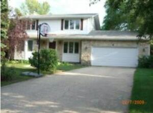 4br-Beautiful two story house for rent in Waverley Heights area