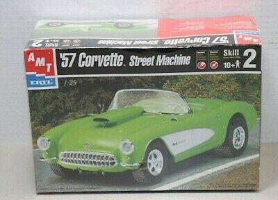 1957 CHEVROLET CORVETTE - STREET MACHINE, Plastic Model Car Kit, Scale 1/25