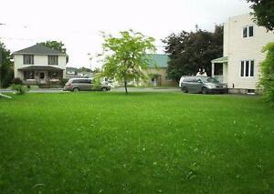 Terrain à vendre au centre-ville de Valleyfield - Land for sale West Island Greater Montréal image 2
