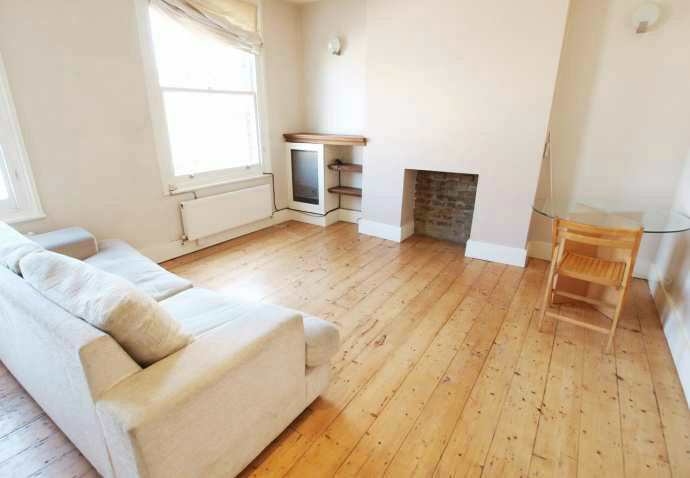 W9, 2Bed NEWLY REFURBISHED DUPLEX PERIOD CONVERSION, REAL WOOD FLOORS, FEATURE FIREPLACE