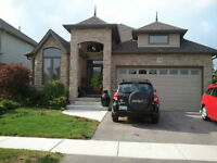 Executive Bungalow in Breslau Has A Room To Rent