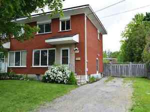 3 Bedroom Semi Available Nov 15th - West End