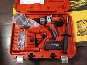 Milwaukee 2611-24 18-Volt Hammer Drill Kit NEW