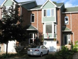 10-067 Lovely furnished townhome, minutes to downtown Hfx ,