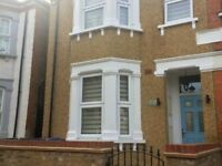 WEST LONDON LARGE LUXUARY 3 BEDROOM GROUND FLOOR SELF CONTAINED FLAT WITH GARDEN ! ! !