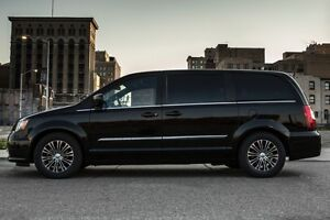 2014 CHRYLSER MINIVAN-LIMITED!!!  ALL OPTIONS INVENTED