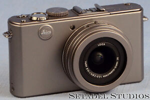 Leica D-Lux 4 Titanium Special Set Camera Outfit Mint [20692] Kitchener / Waterloo Kitchener Area image 2
