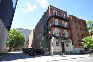 May 1st Huge Studio Available In a Great area of Montreal