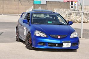 LOOKING FOR A 2006 RSX