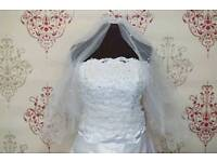 Beautiful wedding dress with veil and petticoat for sale