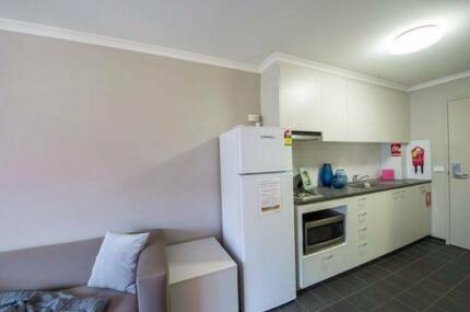 Summer room available, Davey lodge, Unilode. Civic Canberra City North Canberra Preview
