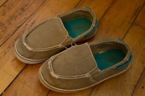 Toddler boys shoes size 9