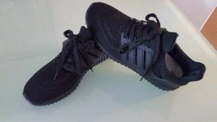 Adidas ULTRA BOOST SHOES, Reduplicate in Black  SHOES WITH A CUSH