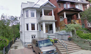 Furnished 3 Bdrm 3 Baths AC Deck WiFi Parking High Park Junction