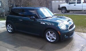 2007 Mini Cooper S (TURBO & Sport Mode) LOW KM