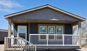 Factory Direct Clearout! 3bed/2bath 22'x66' Home/Cottage w/Decks
