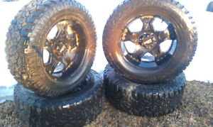 Motto Metal Rims w/Trail Hog A/T R-20 LT tires for Ford