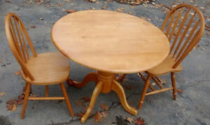 *** SOLID WOOD TABLE WITH 2 CHAIRS ***