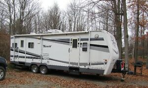 2007 Terry trailer --25ft