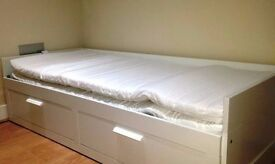 Cosy Single room available with bills inlcuded, Zone 2