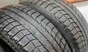 Set of two 215/60/17 Michelin X-Ice winter tires - 8/32nd tread