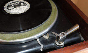 Antique Edison Diamond Disc Payer and Records, Man Cave Quality London Ontario image 5
