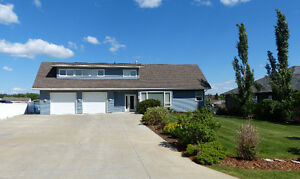 Stunning Custom Contemporary Home in Dawson Creek!