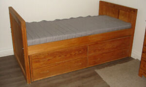 Solid wood single twin bed frame with 4 large drawers
