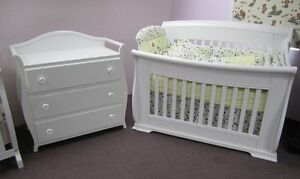 Crib and changing table new in box Kitchener / Waterloo Kitchener Area image 2